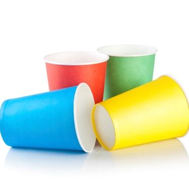 Plastikkopper og Papkrus
